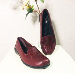 Clark's Bendable Crocodile Embossed Leather Loafer